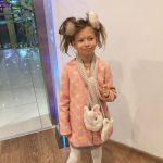 Супермодель Джіджі Хадід опублікувала раритетне фото з сестрою