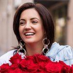 Оля Полякова презентувала новий кліп, який присвятила жінкам, які полюбляють перекусити вночі