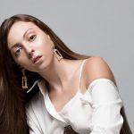 Ольга Куриленко показала, як вона виглядає без макіяжу і зачіски