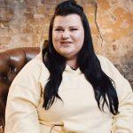 Олена Кравець поділилася добіркою книг, які читає зараз, і розповіла про свою давню мрію