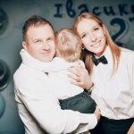 Дружина Володимира Остапчука відповіла на закиди хейтерів щодо своєї фігури