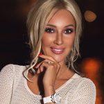 Tayanna стала конкуренткою Каті Осадчої: співачка буде вести програму про світські заходи на 1+1